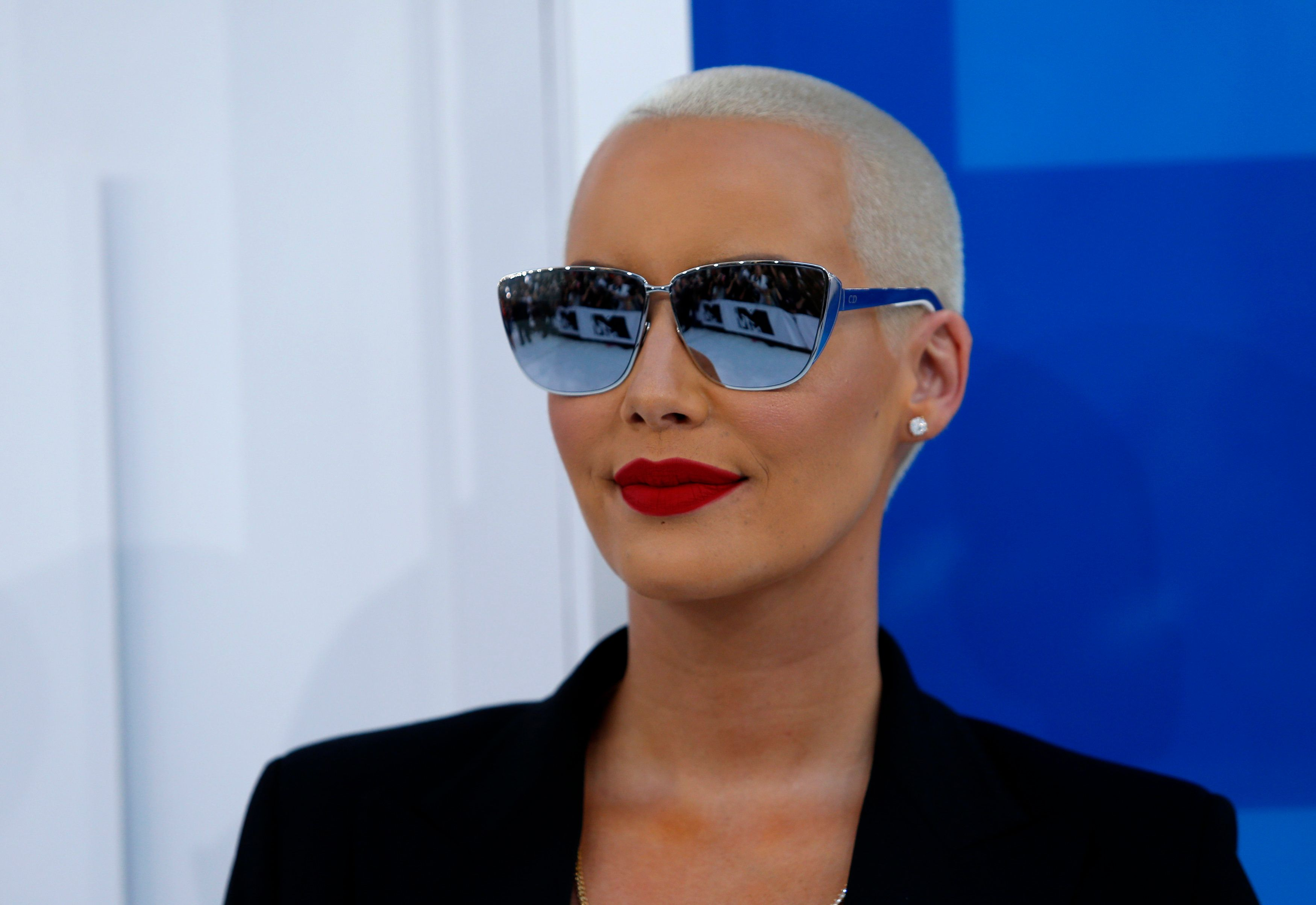 Amber Rose arrives at the 2016 MTV Video Music Awards in New York, U.S., August 28, 2016.  REUTERS/Eduardo Munoz
