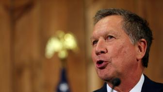 Ohio Governor John Kasich speaks as he withdraws as a U.S. Republican presidential candidate in Columbus, Ohio, U.S., May 4, 2016. REUTERS/Aaron Josefczyk