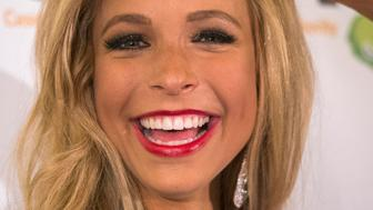 Miss New York Kira Kazantsev poses during a news conference after she was crowned as the winner of the 2015 Miss America Competition in Atlantic City, New Jersey September 15, 2014.   REUTERS/Adrees Latif   (UNITED STATES - Tags: ENTERTAINMENT SOCIETY)