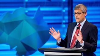Mo Rocca speaks during the final round of the National Geographic Bee, Wednesday, May 25, 2016, at the National Geographic Society in Washington. (AP Photo/Andrew Harnik)