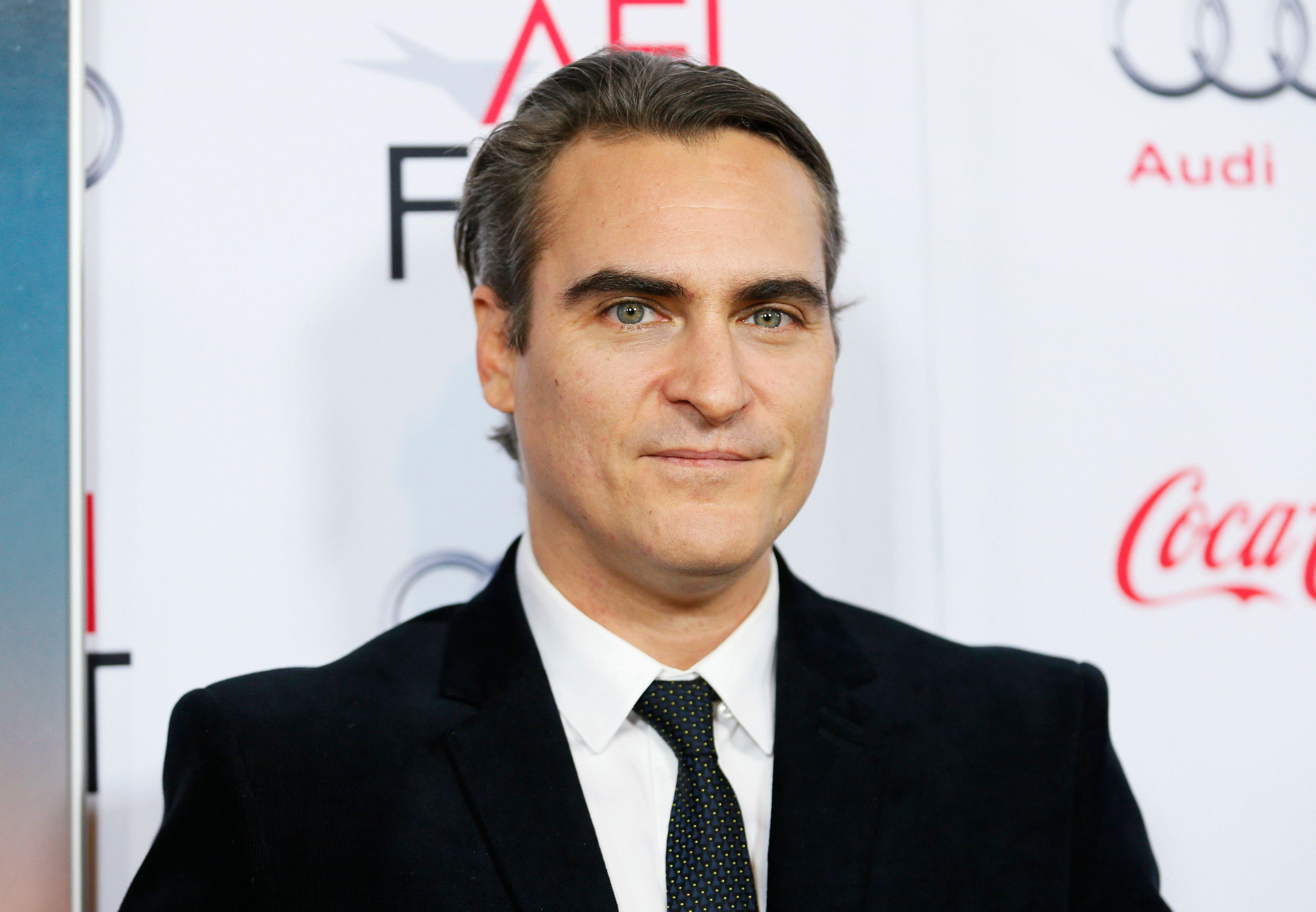 """Actor Joaquin Phoenix poses at the """"Inherent Vice"""" gala screening during AFI Fest 2014 in Hollywood November 8, 2014. REUTERS/Danny Moloshok   (UNITED STATES - Tags: ENTERTAINMENT HEADSHOT)"""
