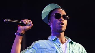 B.o.B performs at the 2010 Wango Tango concert in Los Angeles May 15, 2010. REUTERS/Mario Anzuoni  (UNITED STATES - Tags: ENTERTAINMENT)