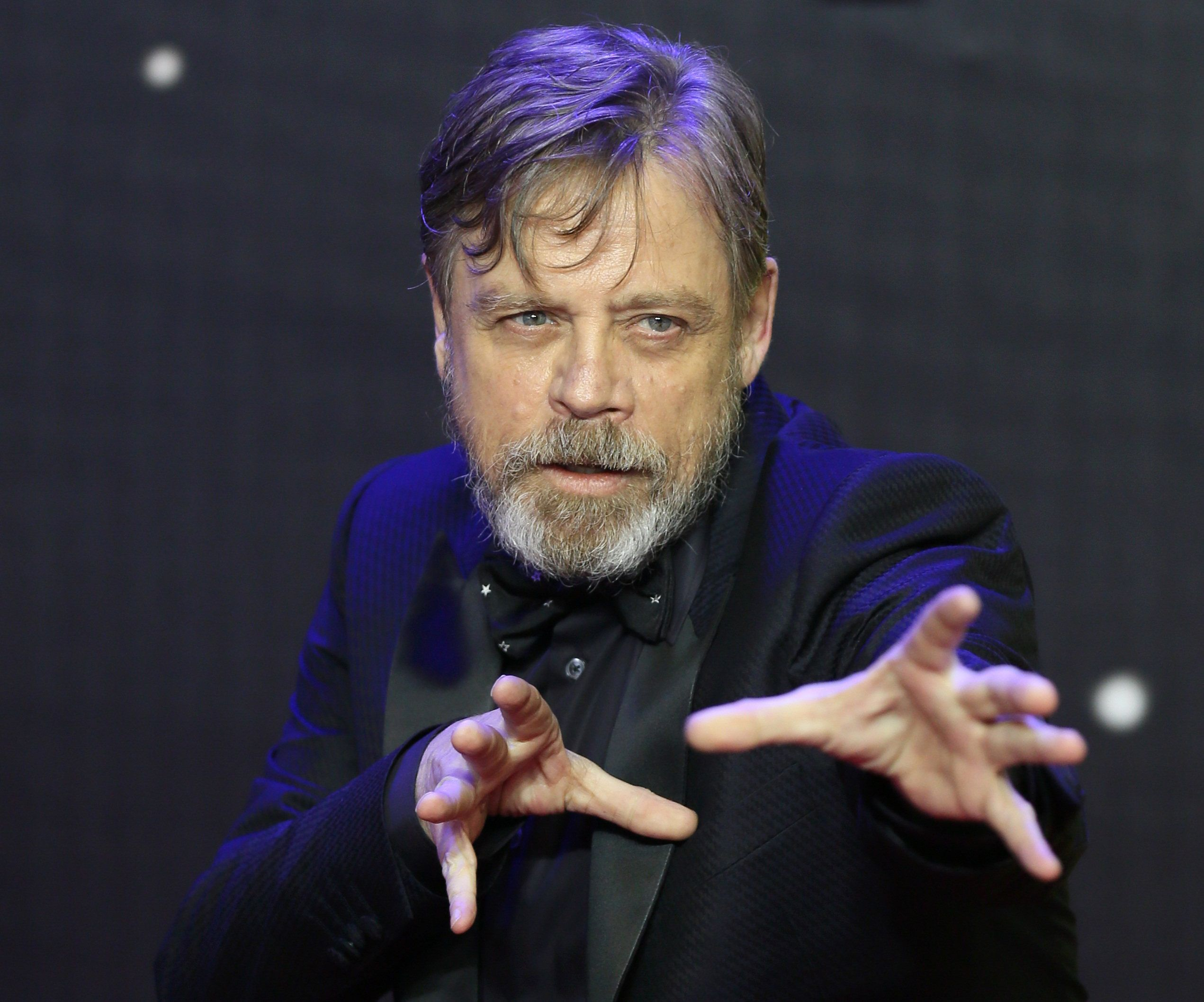 Mark Hamill gestures as he arrives at the European Premiere of Star Wars, The Force Awakens in Leicester Square, London, December 16, 2015.       REUTERS/Paul Hackett