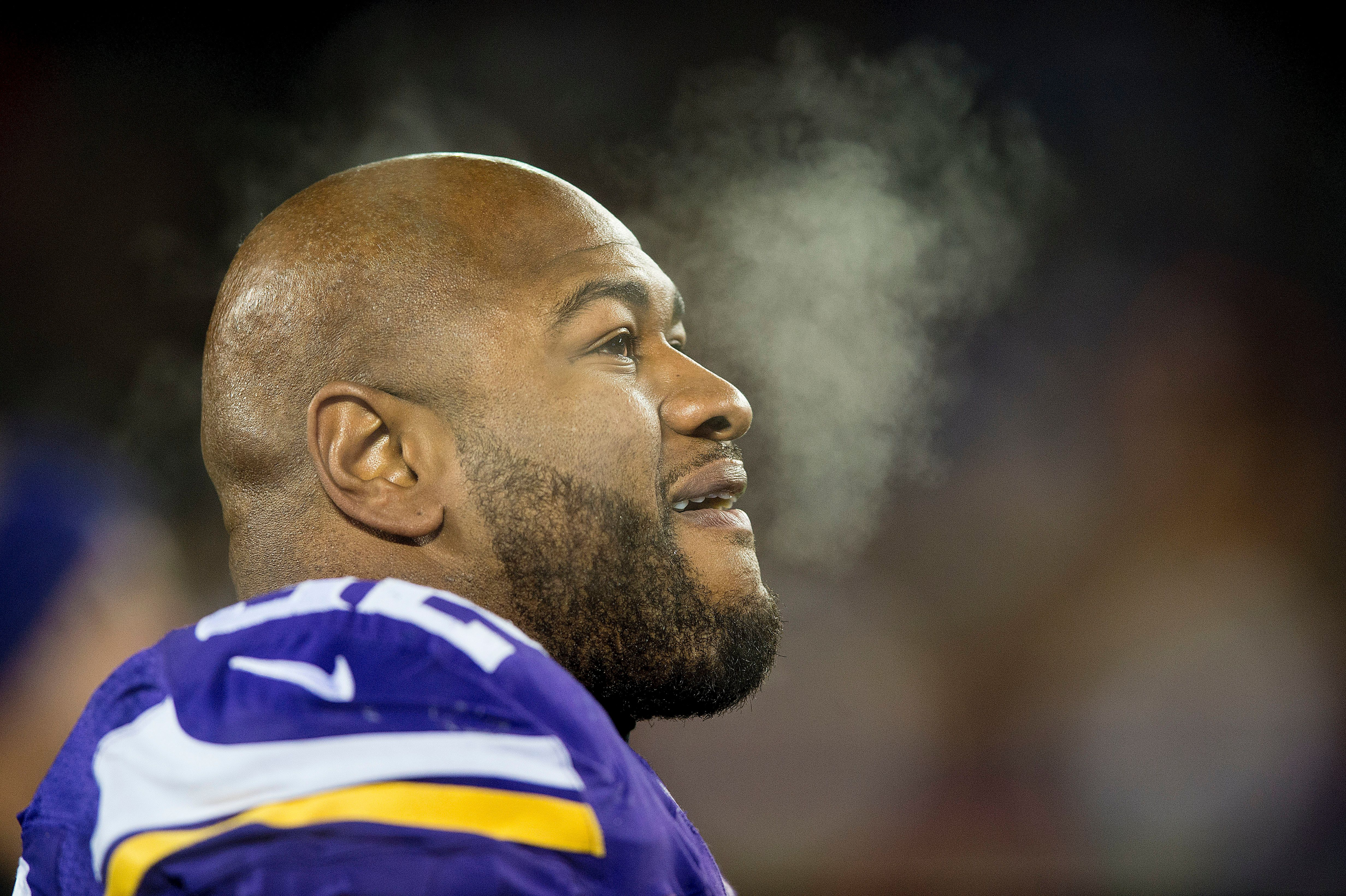 MINNEAPOLIS, MN - DECEMBER 27: Tom Johnson #92 of the Minnesota Vikings cools off during an NFL game against the New York Giants at TCF Bank Stadium December 27, 2015 in Minneapolis, Minnesota.  (Photo by Tom Dahlin/Getty Images)