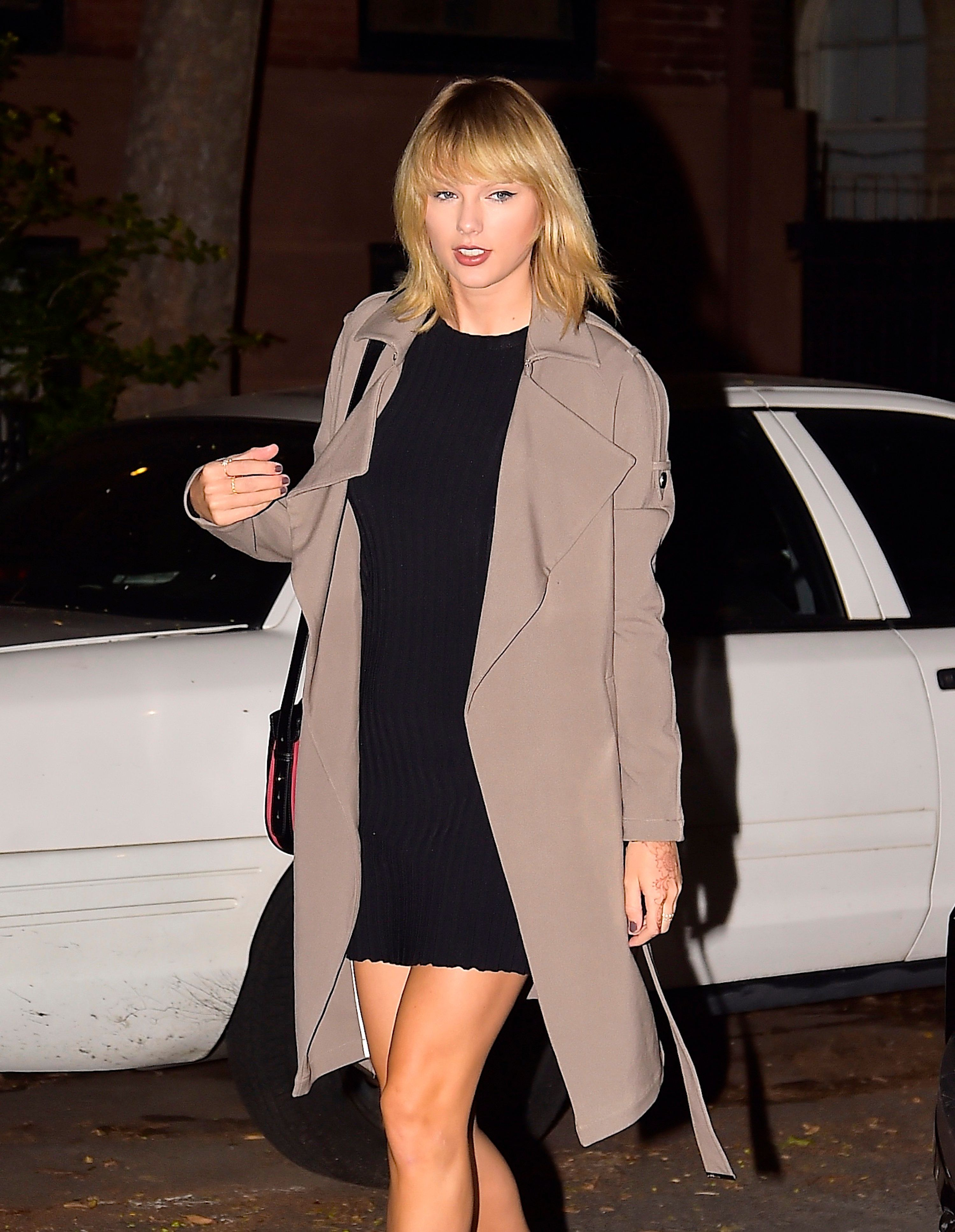 NEW YORK, NY - SEPTEMBER 27:  Taylor Swift is seen in the West Village  on September 27, 2016 in New York City.  (Photo by Alo Ceballos/GC Images)
