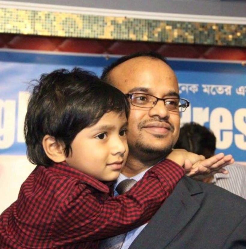 On behalf of the reception community , Sibli Chowdhury Kayes, Secretary of New York Bangladesh Press Club, escorted Isaac to