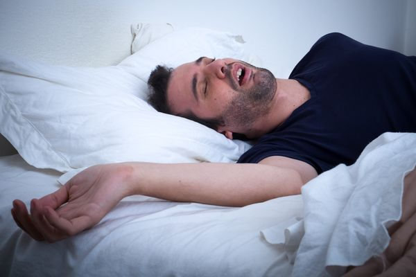 "Snoring affects a whopping<a href=""https://sleepfoundation.org/sleep-disorders-problems/other-sleep-disorders/snoring""> 90 mi"