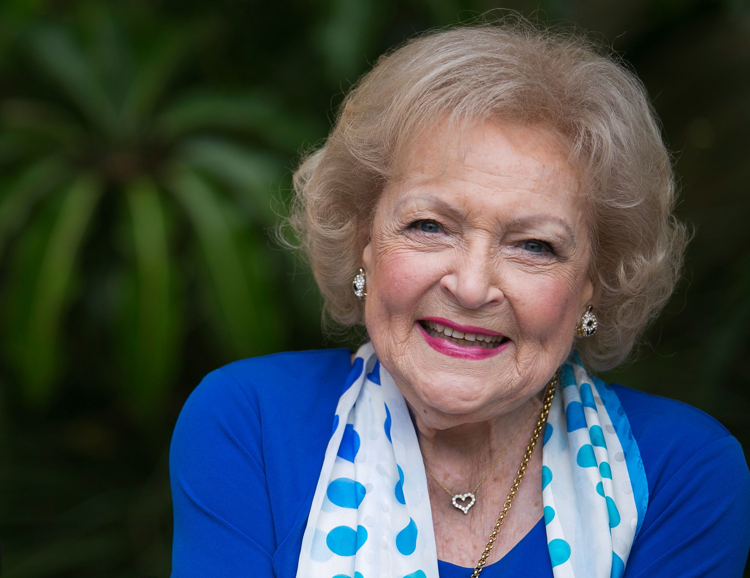 LOS ANGELES, CA - JUNE 11:  Actress Betty White attends the media preview for Greater Los Angeles Zoo Association's Beastly Ball fundraiser at Los Angeles Zoo on June 11, 2015 in Los Angeles, California.  (Photo by Vincent Sandoval/WireImage)
