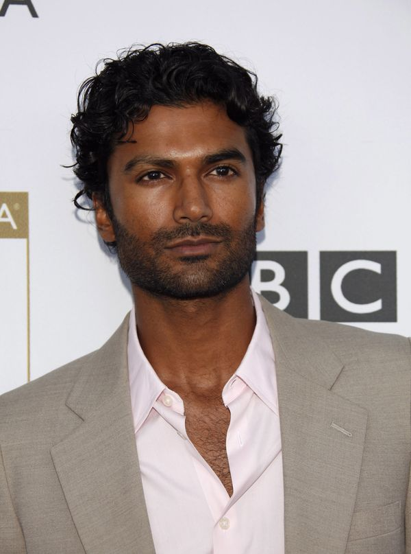 "Go ahead -- rewatch ""Heroes"" just for <a href=""http://www.huffingtonpost.com/news/sendhil-ramamurthy/"">Sendhil Ramamurthy</a>"