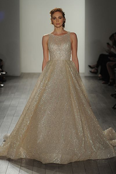 20 Metallic Wedding Gowns For Bride Who Crave That \'Wow\' Factor ...