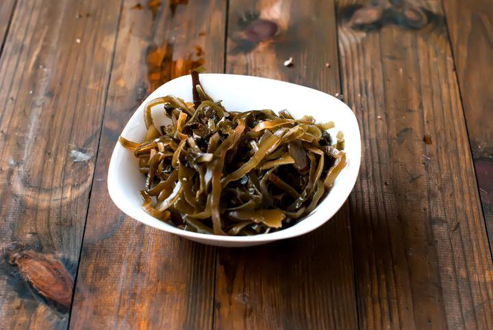 A bowl of kelp.