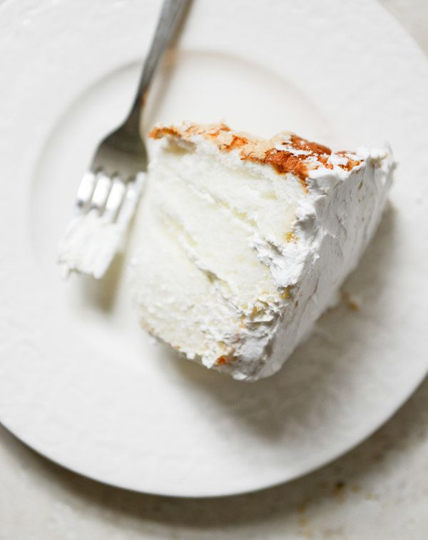 "<strong>Get the <a href=""http://www.howsweeteats.com/2014/02/angel-food-layer-cake-with-whipped-coconut-cream-and-grapefruit-"