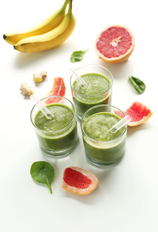 "<strong>Get the <a href=""http://minimalistbaker.com/grapefruit-green-smoothie/"" target=""_blank"">Grapefruit Green Smoothie rec"