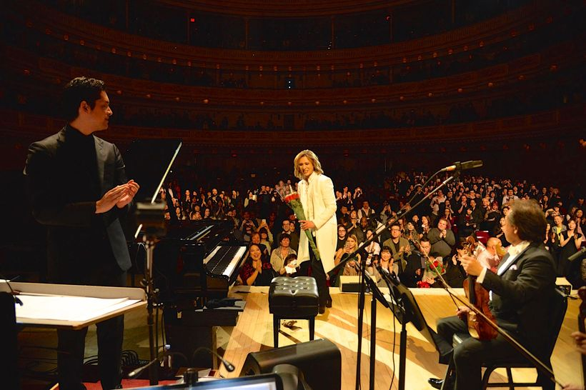 Yoshiki received a long standing ovation from his fans when he took his bow at Carnegie Hall on January 12, 2017.