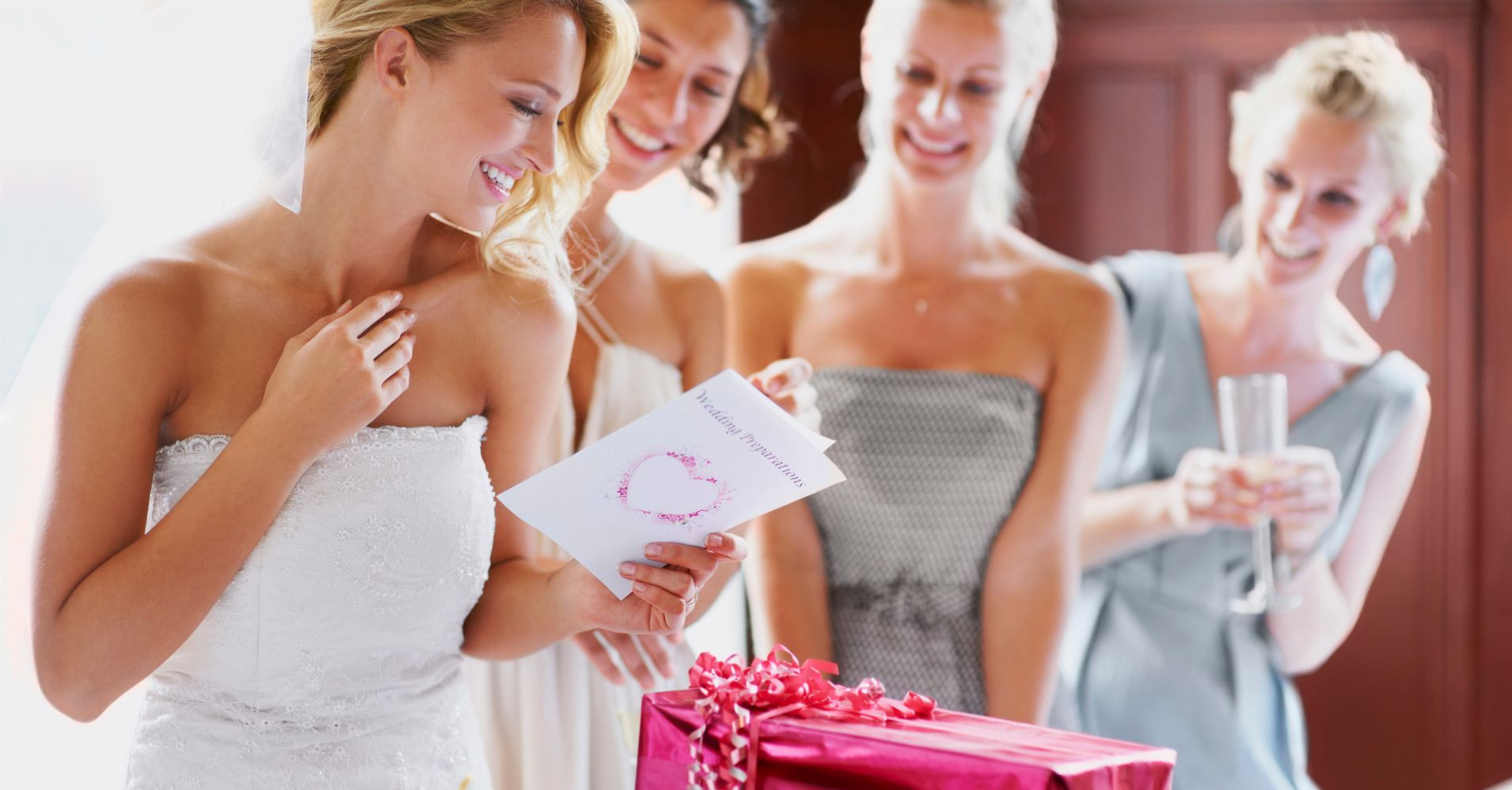 How Much Money Should Be Given As A Wedding Gift: Exactly How Much Money To Give As A Wedding Gift: Here Are