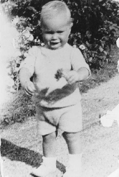 Bush, in Kennebunkport, Maine, in 1925.