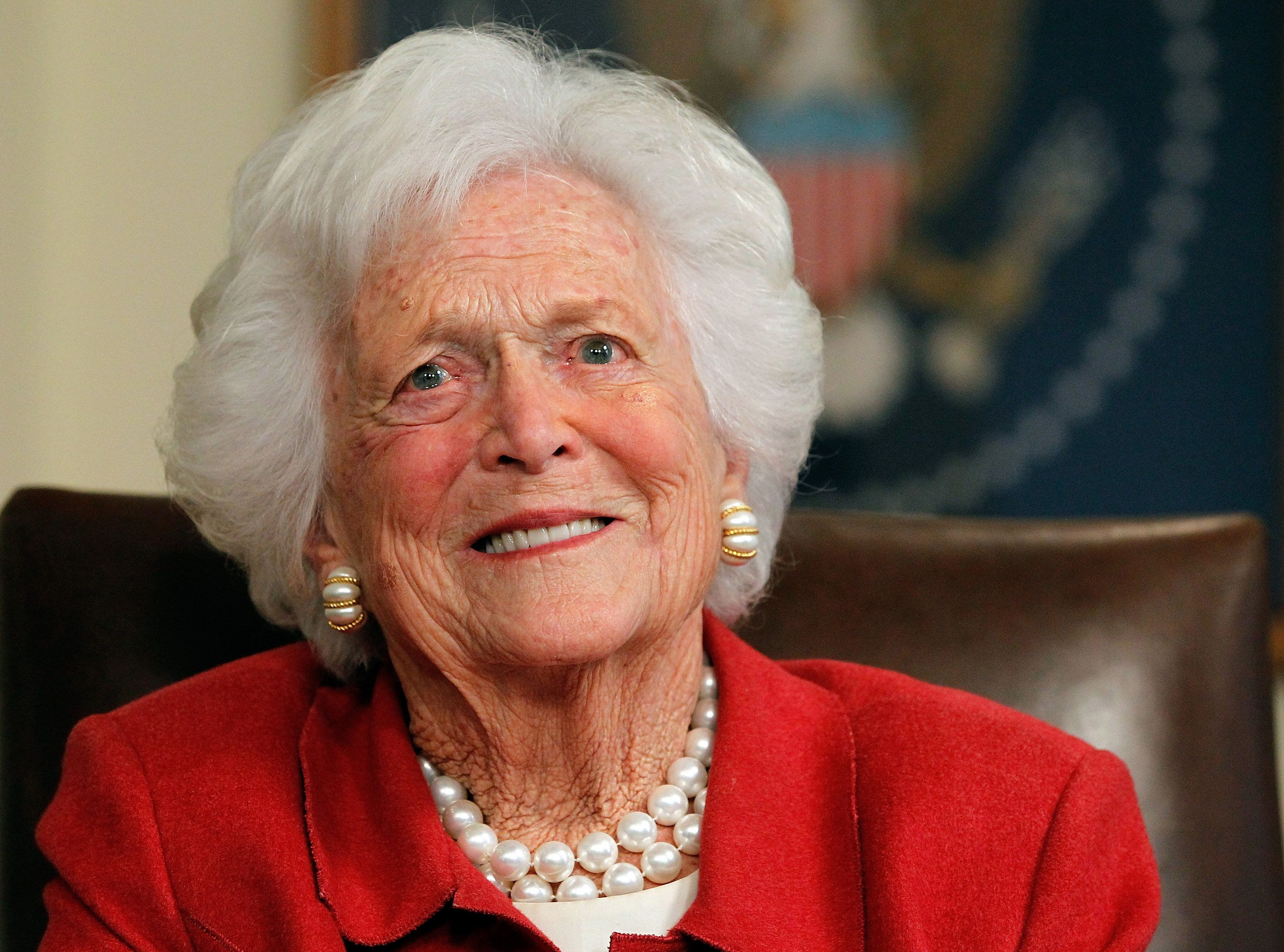 HOUSTON, TX - MARCH 29:  Barbara Bush talks with Republican presidential candidate, former Massachusetts Gov. Mitt Romney at Former President George H. W. Bush's office on March 29, 2012 in Houston, Texas. Mitt Romney received an endorsement from Former President George H.W. Bush and Barbara Bush during the meeting.  (Photo by Tom Pennington/Getty Images)