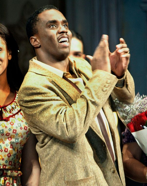 "<a href=""http://www.playbill.com/news/article/sean-p.-diddy-combs-to-star-in-a-raisin-in-the-sun-revival-116931"">Diddy hit th"