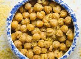 How To Make Chickpeas That Taste Like Cheetos