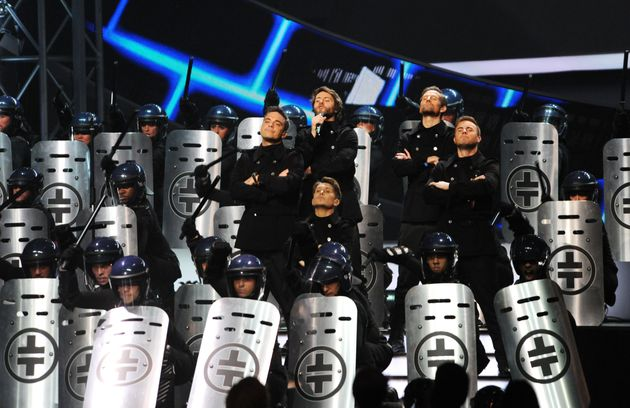 Robbie Williams' 10 Most Memorable Brit Awards Moments, Ahead Of 2017