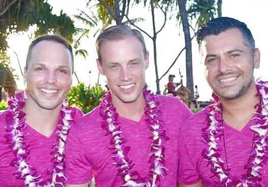 """On Wednesdays we wear Pink"" — The trio that vacations together, stays together! Barry, Claude and San Pedro during a family"