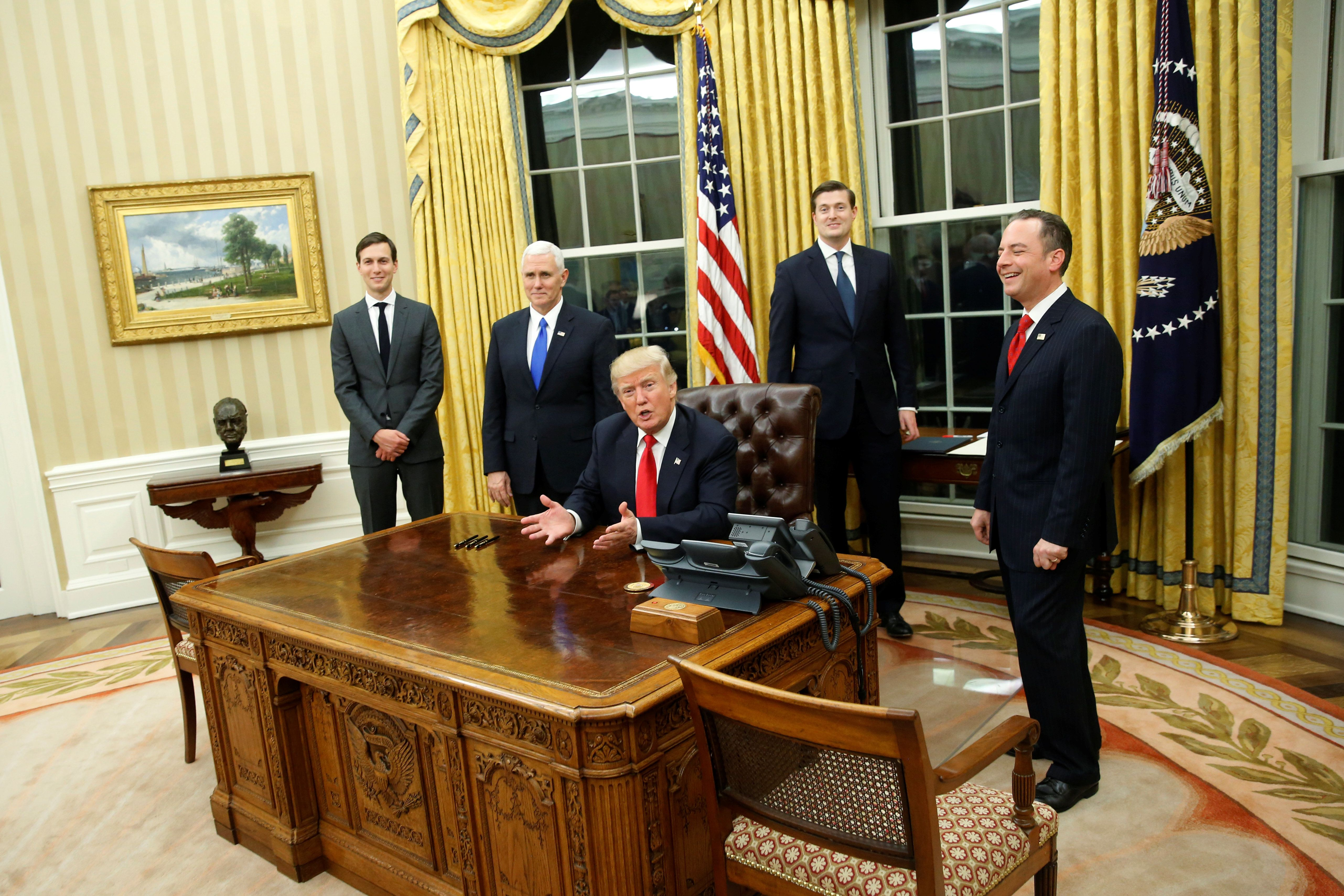Donald Trump Already Redecorated The Oval Office And Of Course