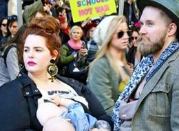 Tess Holliday Wins Praise For Breastfeeding Son Bowie At Women's March