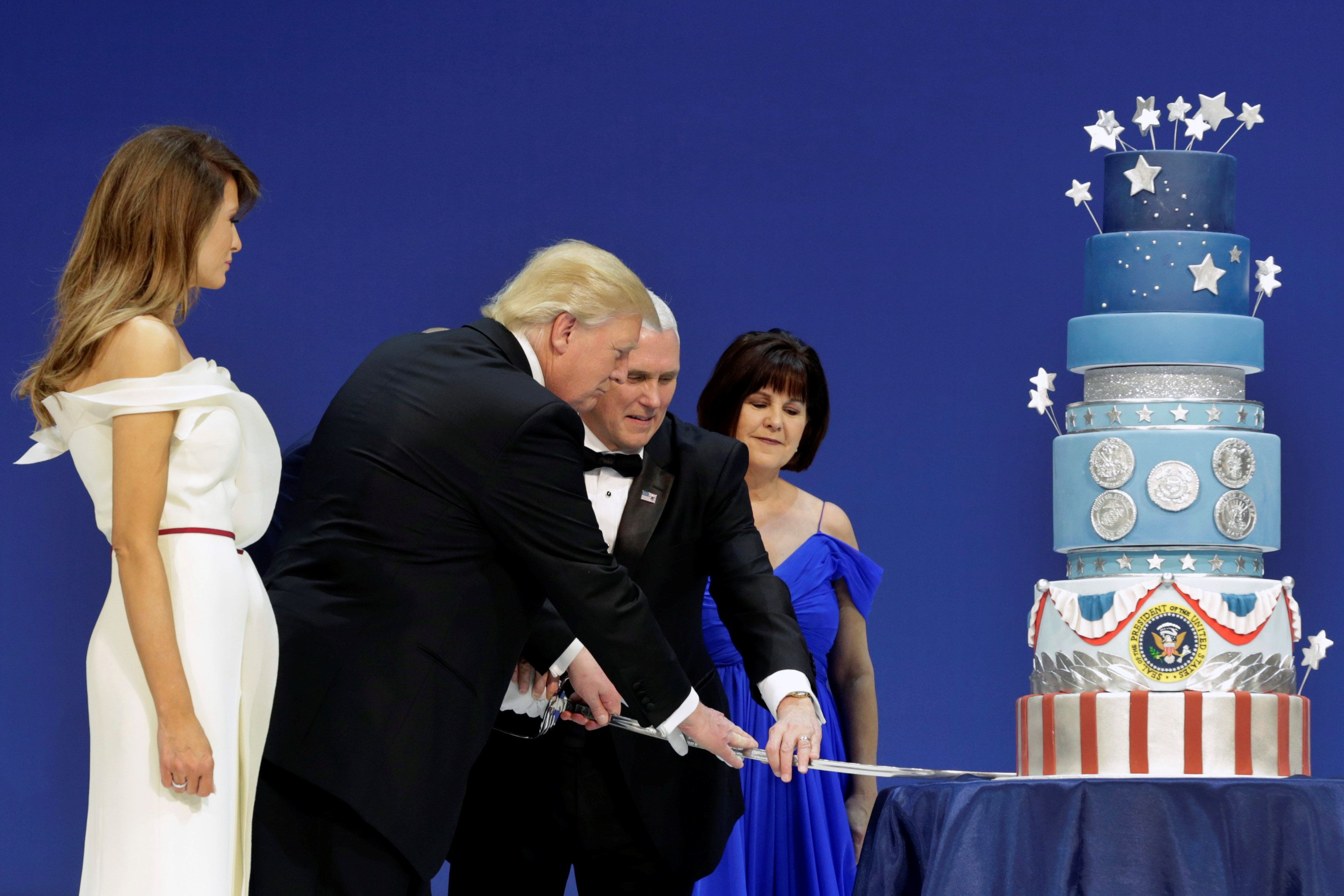 From the size of the layers and the colors of the frosting all the way down to the tiny little presidential seal decoration,