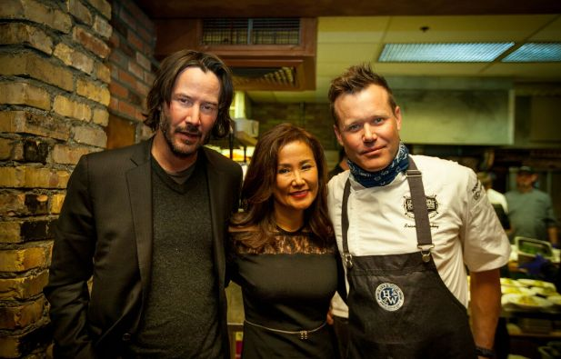 (From left to right)Keanu Reeves, Mimi Kim chat in the kitchen with famed chefBrian Malarkey at ChefDance 2017, sponsored b