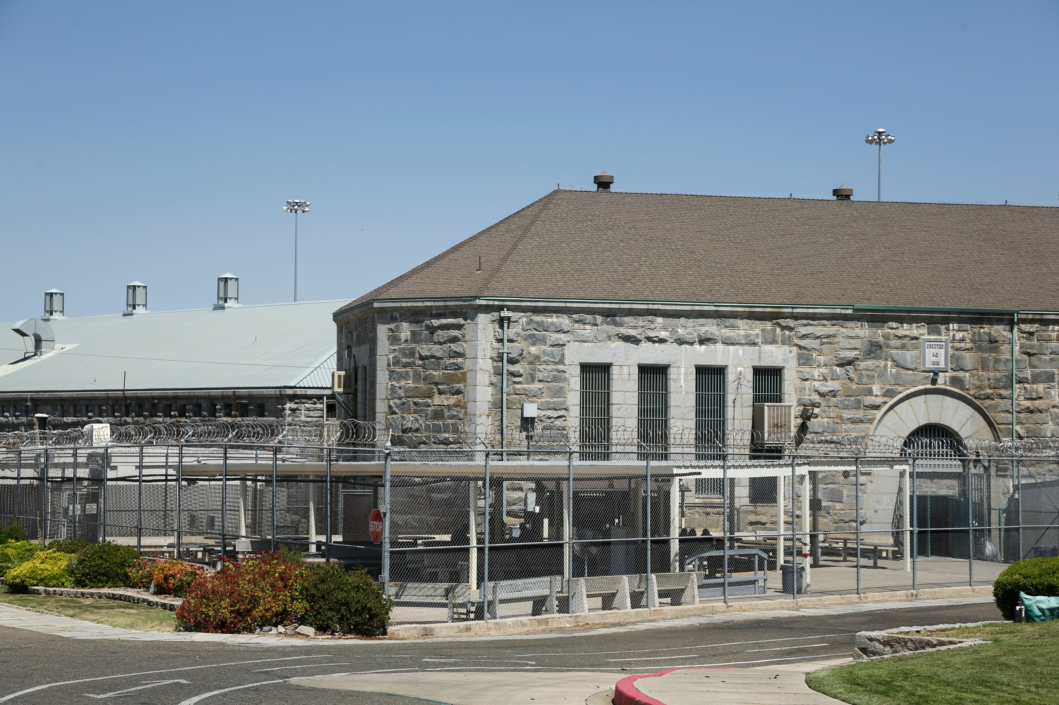Folsom State Prison is pictured in Folsom, California in this July 26, 2014 photo. One inmate was killed and numerous others were injured in a disturbance that broke out on August 12, 2015 afternoon at a prison outside Sacramento, officials said.   REUTERS/Elijah Nouvelage