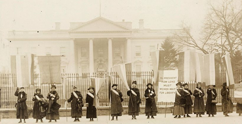 Women suffragists protest in front of the White House in 1917
