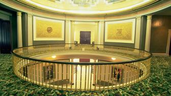 The open mezzanine of the Alabama State Capitol building allows visitors to view the rotunda murals from the floor below. Montgomery, USA. (Photo by © Mark E. Gibson/CORBIS/Corbis via Getty Images)