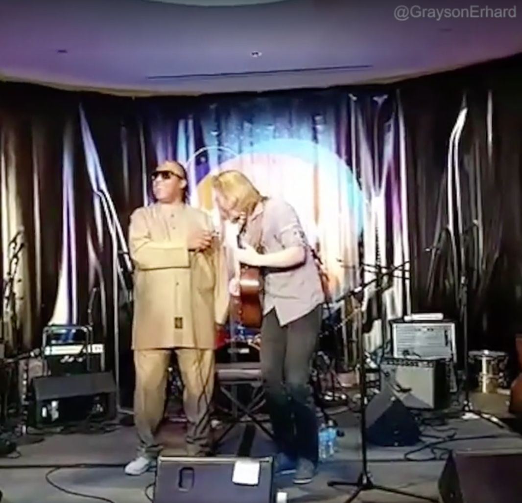 Musician Grayson Erhard was filmed performing an impromptu duet with Stevie Wonder over the weekend after the Grammy-award wi