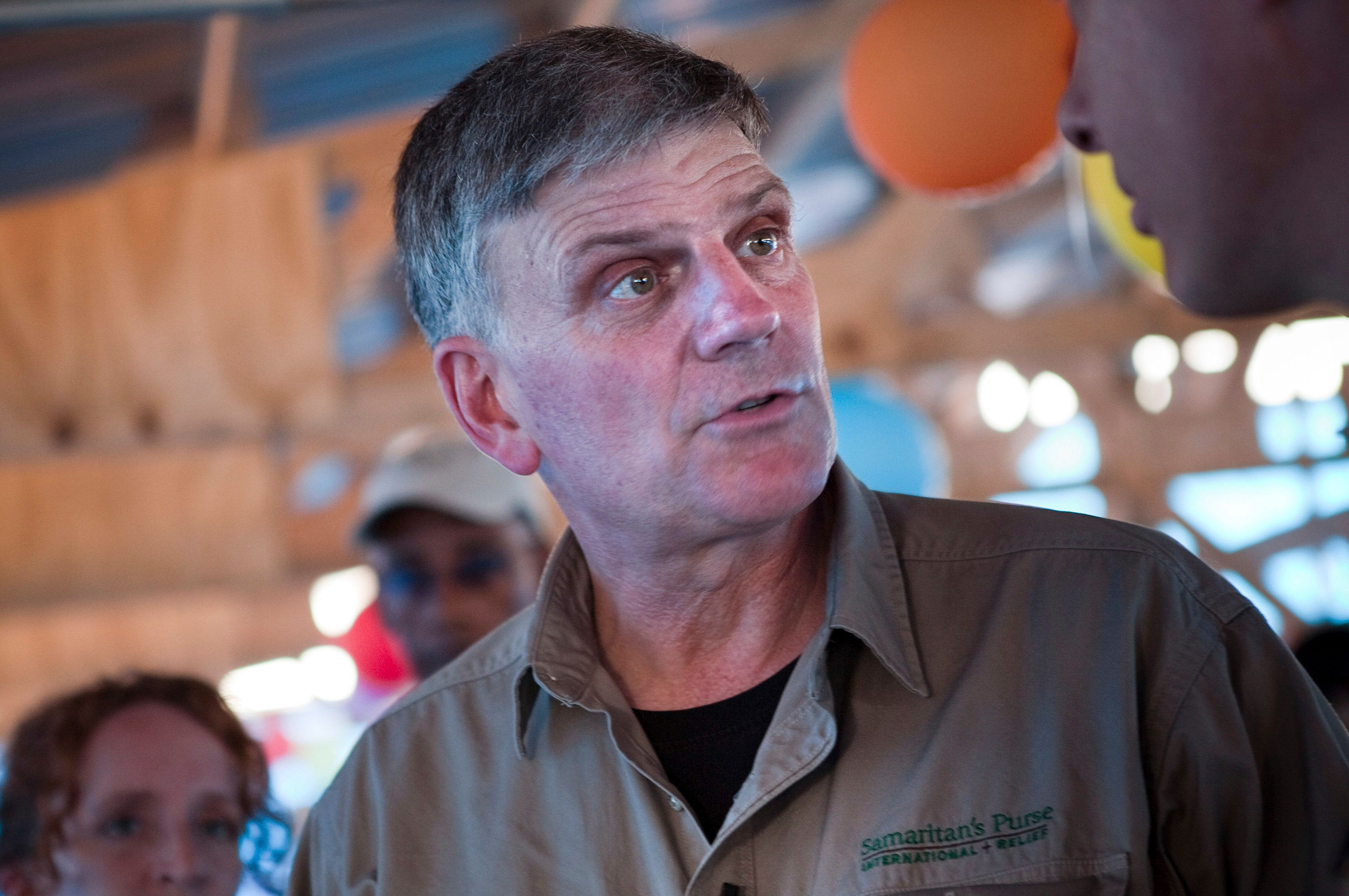 Franklin Graham, head of international relief organization Samaritan's Purse, visits one of the organization's cholera treatment centers in the Cite Soleil neighborhood of Port-au-Prince, January 8, 2011. REUTERS/Allison Shelley (HAITI - Tags: SOCIETY HEALTH)
