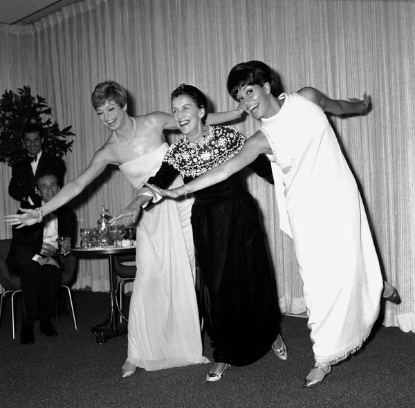 At the film premiere of 'Thoroughly Modern Millie'. Juliet Prowse, Beatrice Lille and Mary Tyler Moore in 1967.