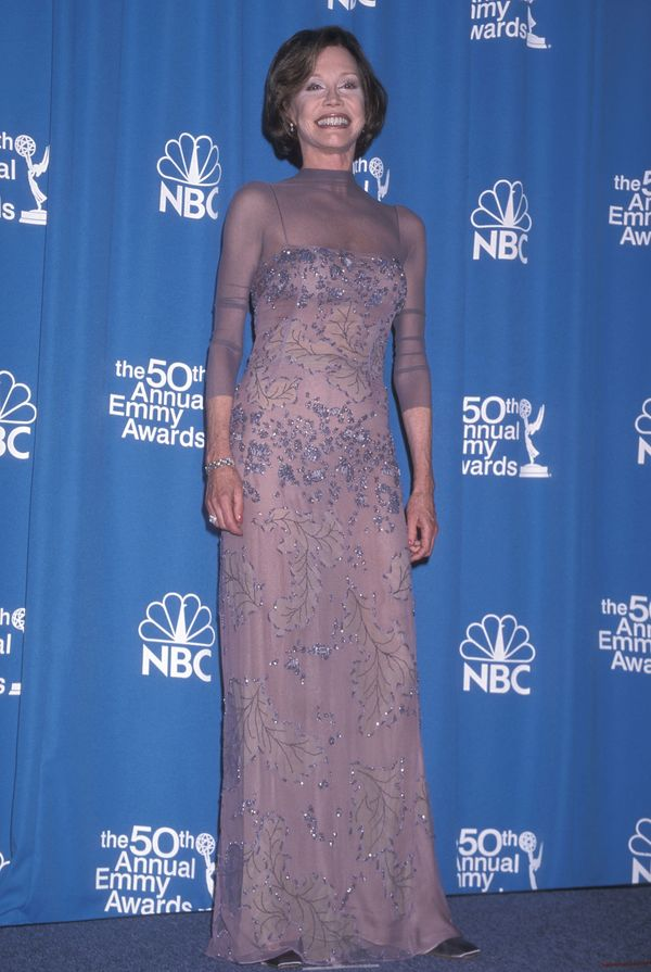 Mary Tyler Moore attends the 50th Annual Primetime Emmy Awards on September 13, 1998 at the Shrine Auditorium in Los Angeles,