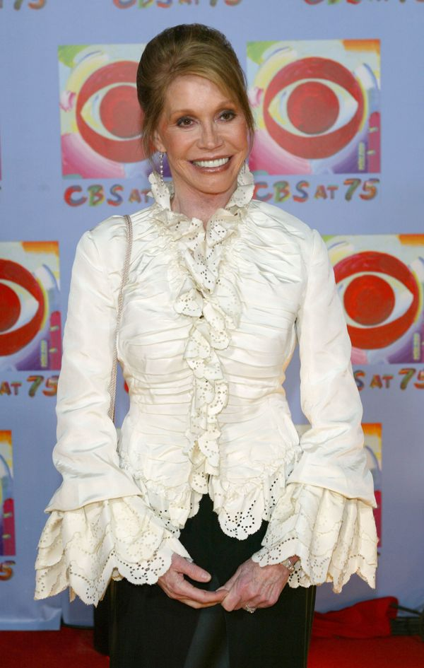 Mary Tyler Moore arrives at the 'CBS At 75' celebration at the Hammerstein Ballroom November 2, 2003 in New York City.