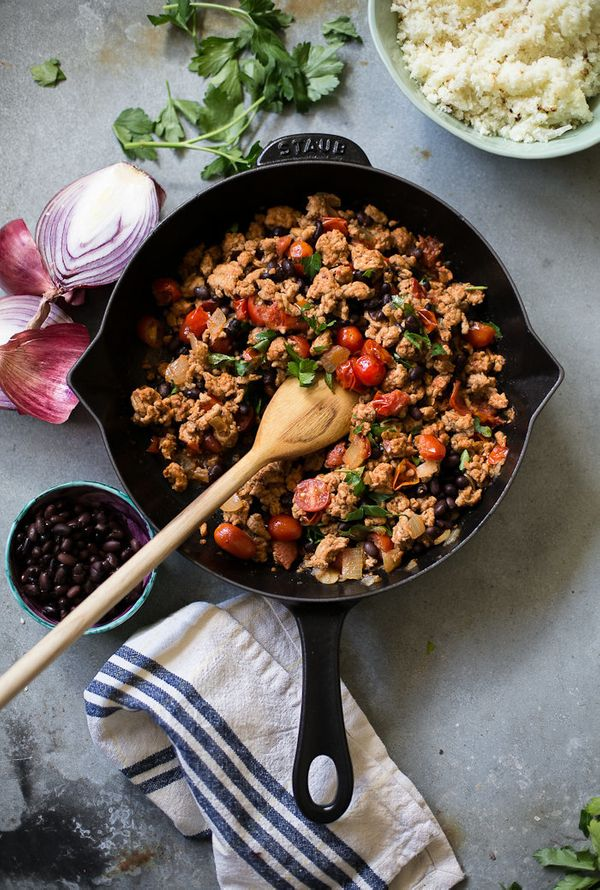 """<strong>Get the <a href=""""http://www.theclevercarrot.com/2016/03/20-minute-mexican-skillet-chicken/"""" target=""""_blank"""">20-Minute"""