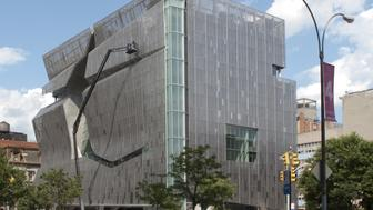 (GERMANY OUT) USA, New York, New York City: - East village - New college of the 'Cooper Union for the Advancement of Science and Art' (concept: Tom Mayne / Morphosis architects,  Los Angeles).  (Photo by Lothar M. Peter/ullstein bild via Getty Images)
