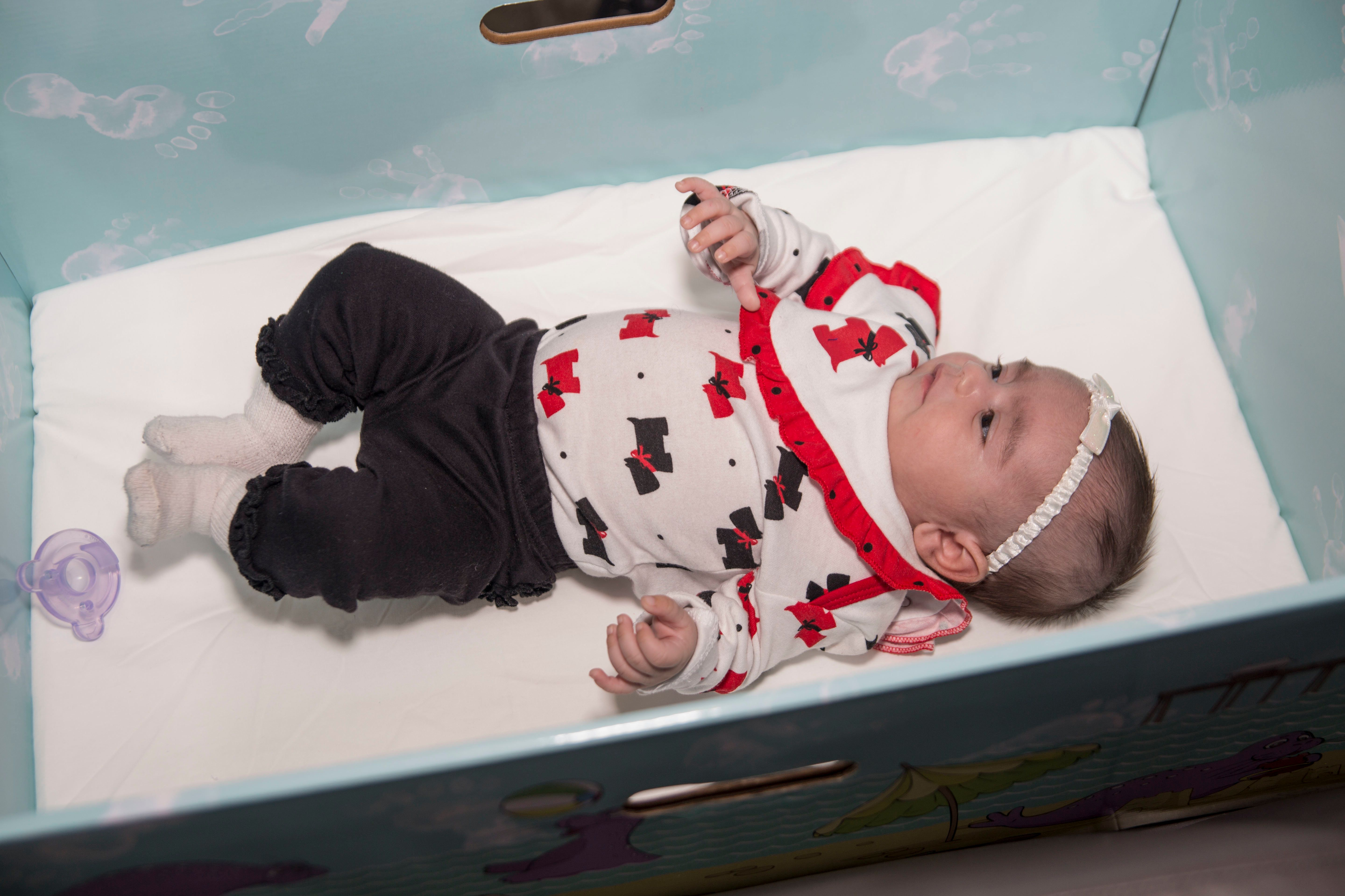 New Jersey parents will receive free baby boxes for their newborns.