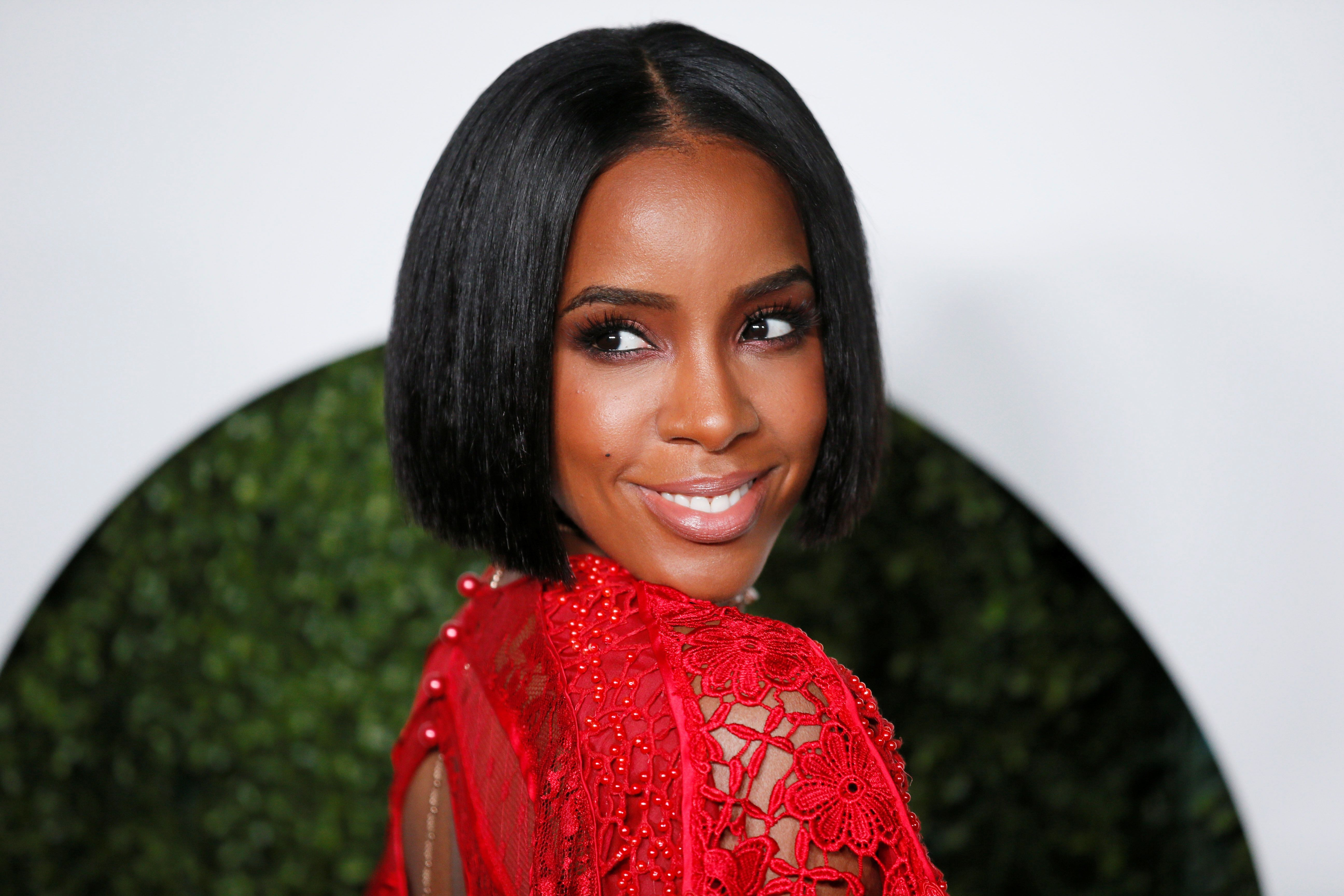 Singer Kelly Rowland poses at the GQ Men of the Year Party in West Hollywood, California, December 8, 2016. REUTERS/Danny Moloshok