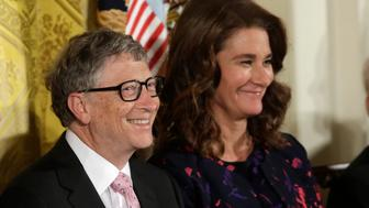 Bill and Melinda Gates attend the Presidential Medals of Freedom ceremonies  in the East Room of the White House in Washington, U.S., November 22, 2016.    REUTERS/Yuri Gripas