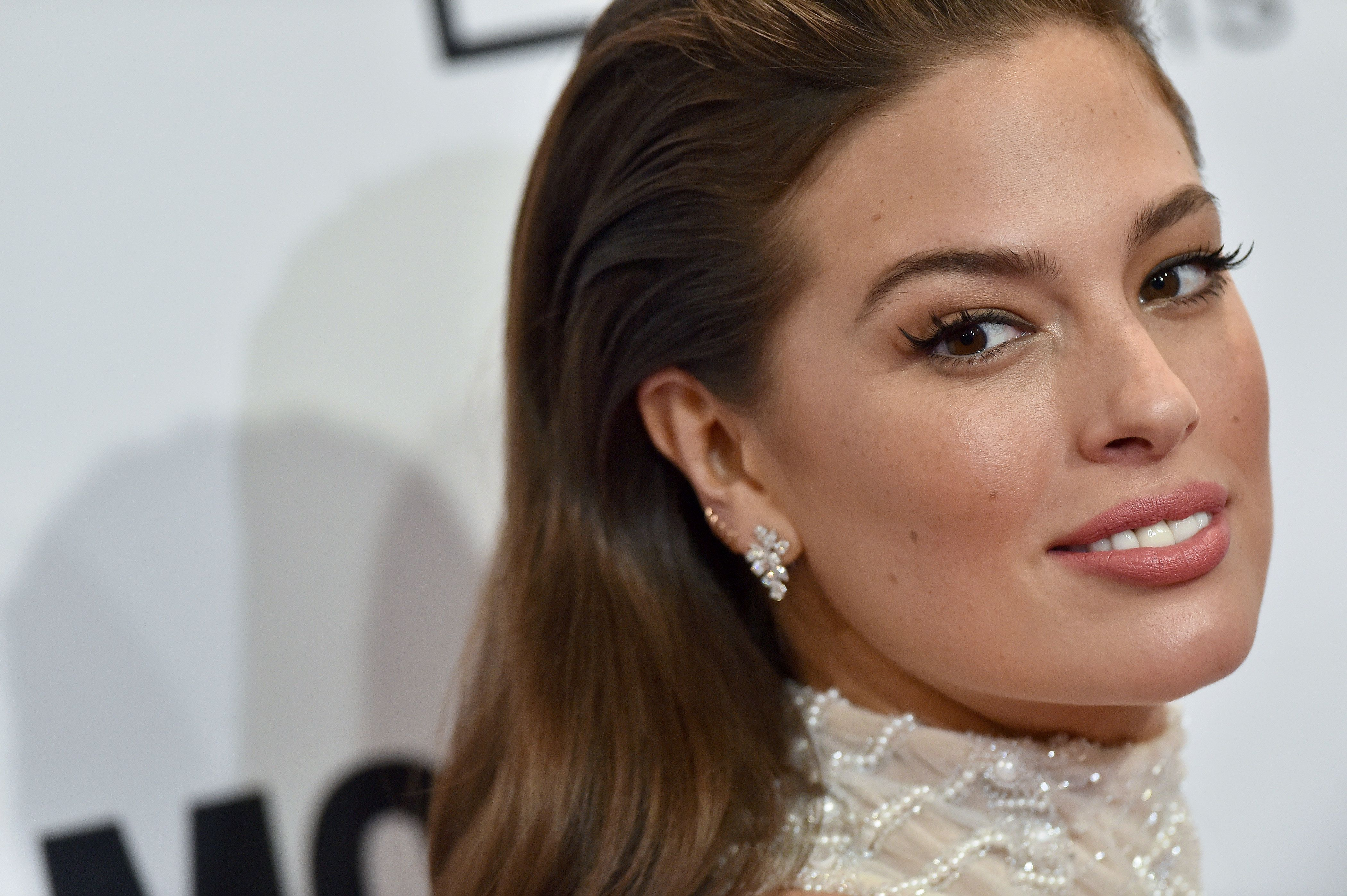 Ashley Graham Reminds Us Cellulite Is Nothing To Be Ashamed Of With Unapologetic Image Of Her