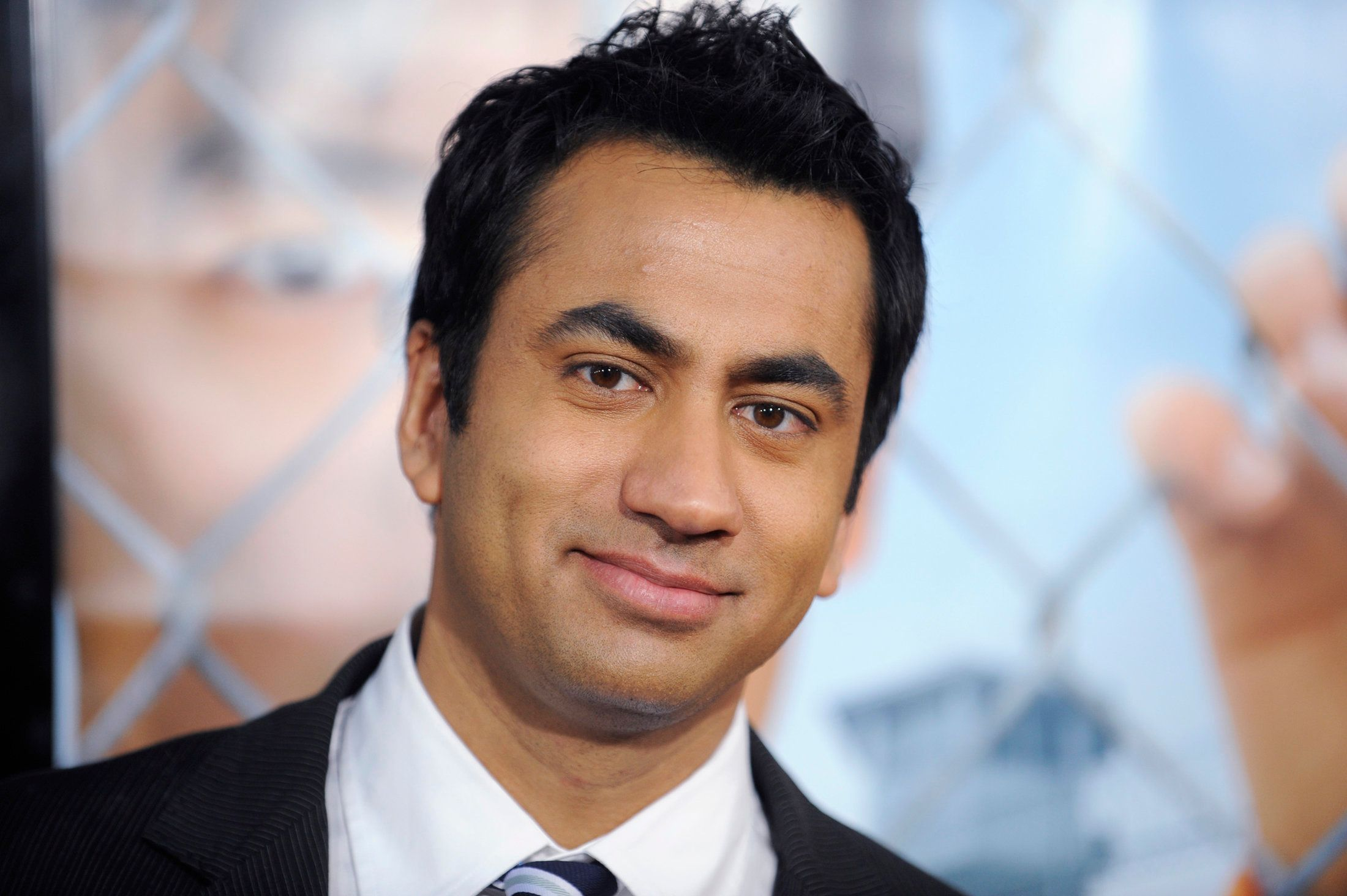 Kal Penn at a premiere in