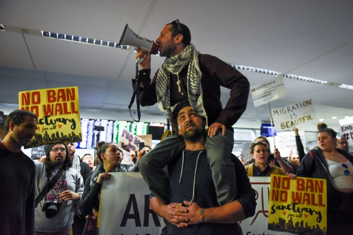San Francisco protesters crank up the volume.