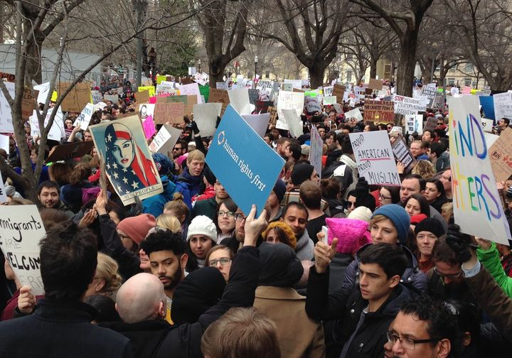 Thousands rally against president Trump's Executive Order on visa bans from seven predominantly Muslim countries. This in Was