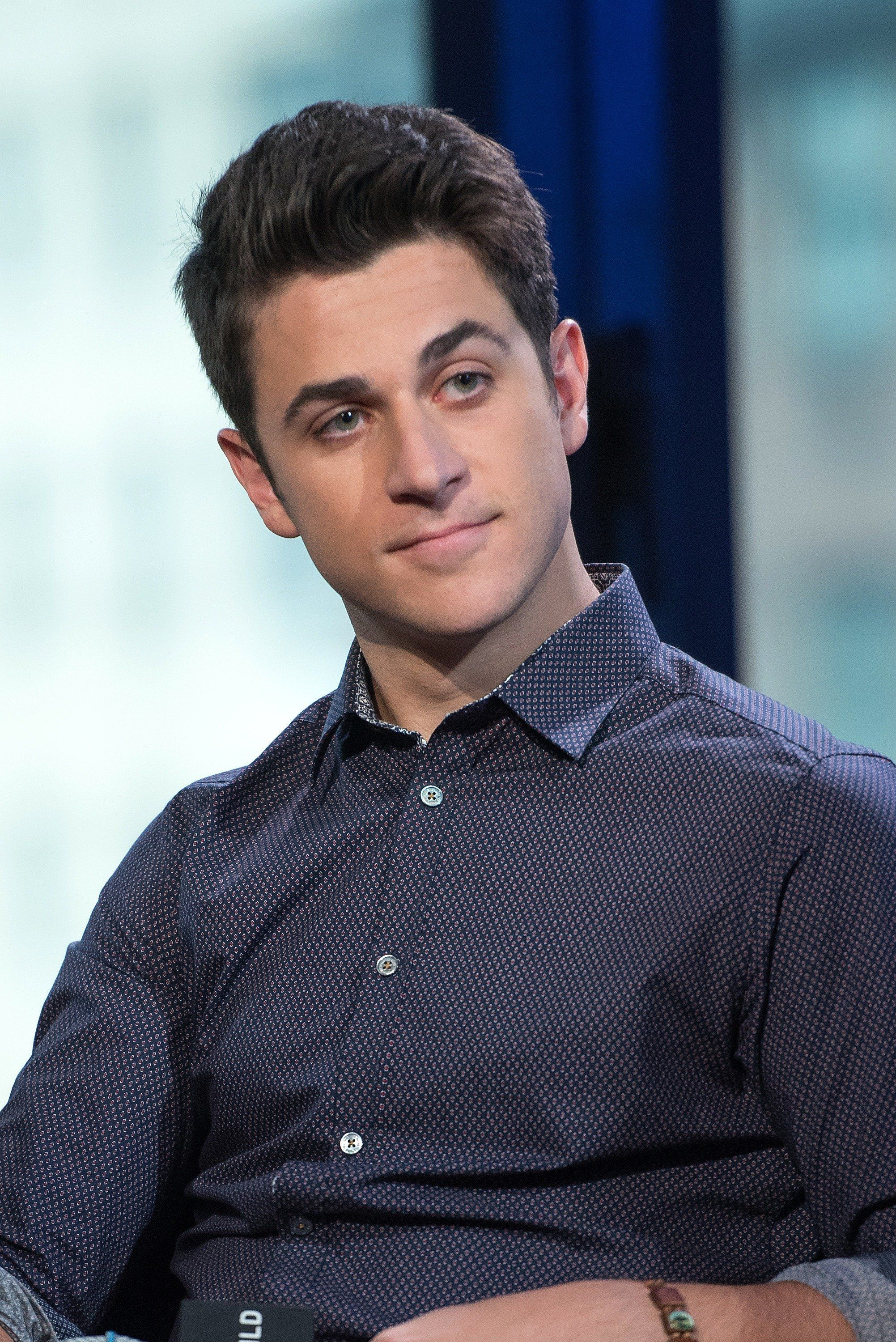 'Wizards Of Waverly Place' Star David Henrie Has Been Secretly Engaged For Four