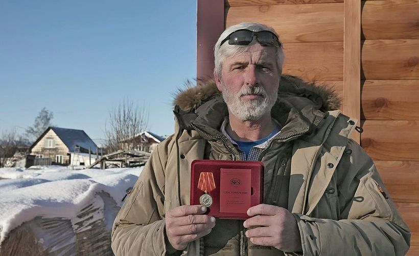 """Peter van der Wolf is among the rescuers who received medals from the <a rel=""""nofollow"""" href=""""https://en.wikipedia.org/wiki/M"""