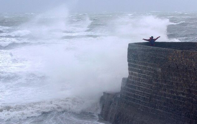 Waves lash Brighton beach (file