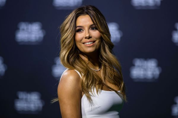 "<a href=""http://www.imdb.com/name/nm0519456/"" target=""_blank"">""Desperate Housewives""</a> fans know that Eva Longoria can exud"